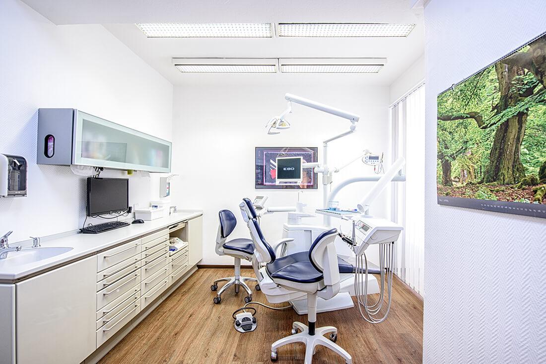 Zahnarzt Remscheid - Waldau - ein Behandlungszimmer der Praxis
