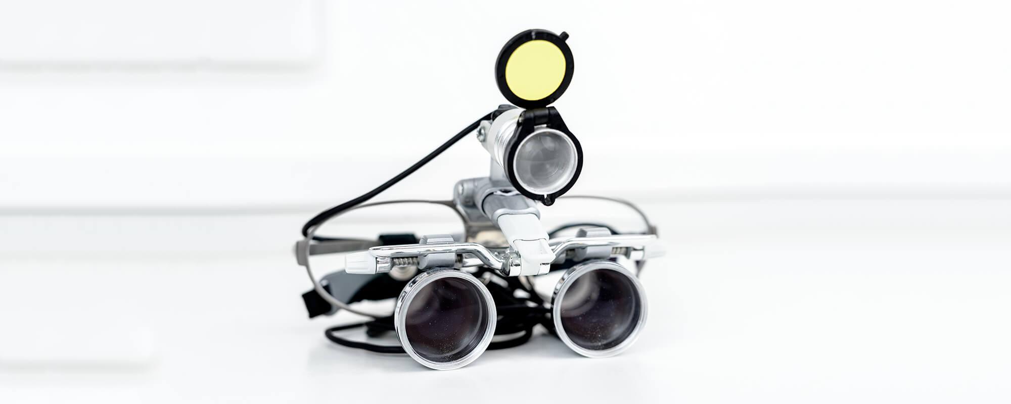 Zahnarzt Remscheid - Praxis Waldau - Lupenbrille